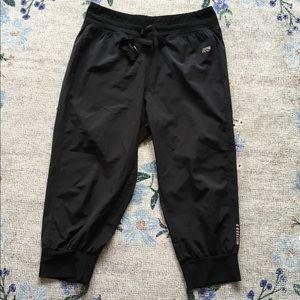 Marika (fits like) L crop joggers athletic pants